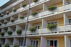 Mehrfamilienhaus, Balkone